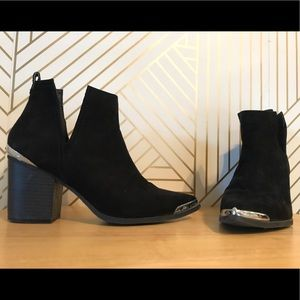 Metal Tipped Toe Black Booties with Ankle Slits